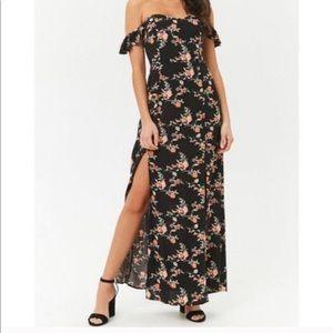 Forever 21 Dresses - Floral Maxi Dress *NEVER WORN*
